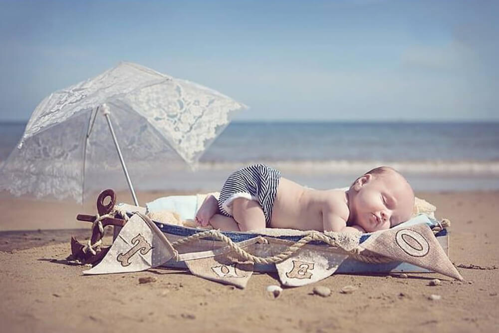 A beautiful newborn shoot for an engaged couple on Swanley Beach.